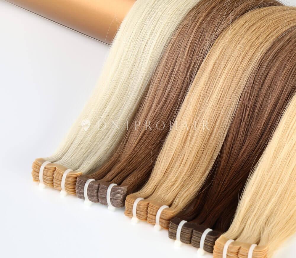 Волосся на стрічках